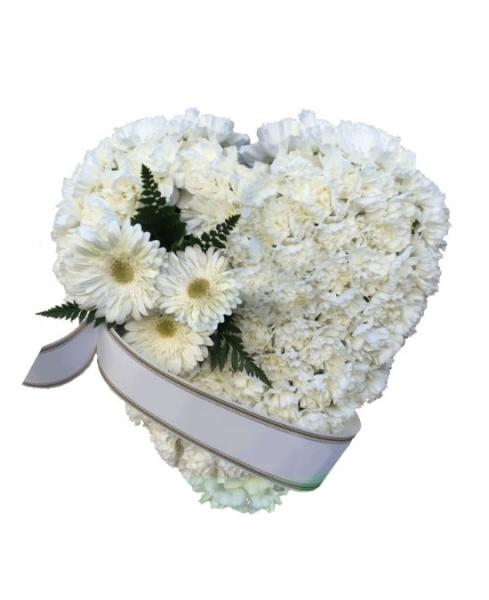 F970 Centro funerario corazón blanco